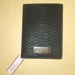 Nwt vs wallet